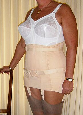 Mature ladies in suspenders